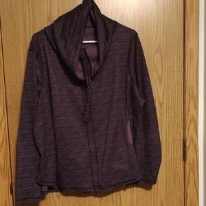 Maurice's in motion size 2x pull over.